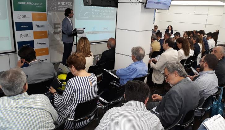 20180614_ForoAndeceMadrid_01. Apertura de la jornada por parte de arquitecto Miguel Ángel Díaz ( presidente de ASA- Asociación Sostenibilidad y Arquitectura)
