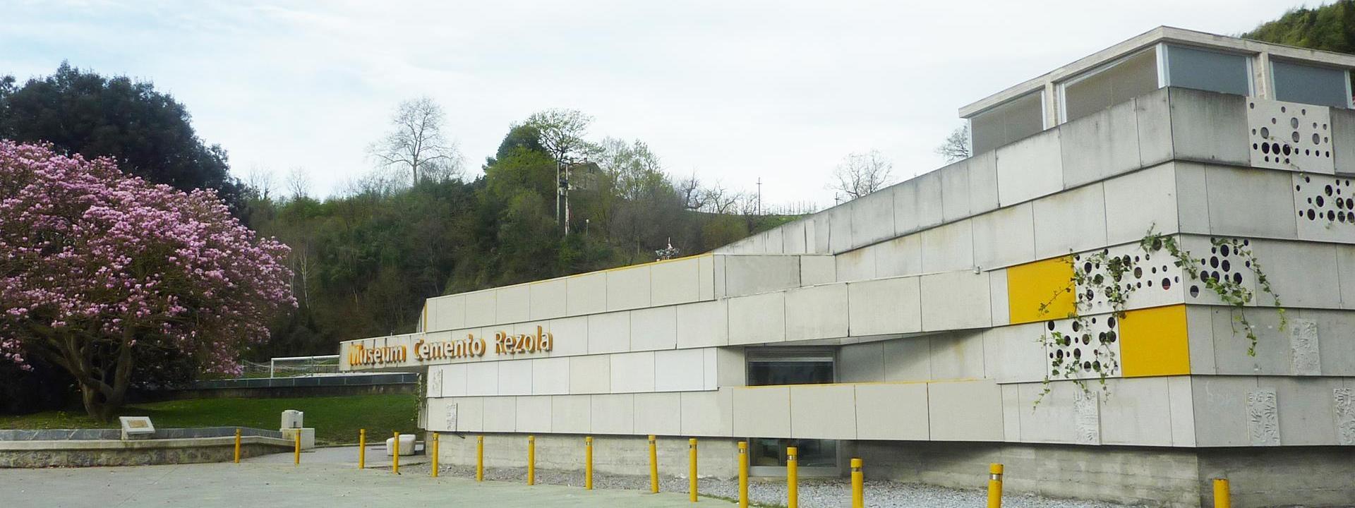 Fachada Museum Cemento Rezola.